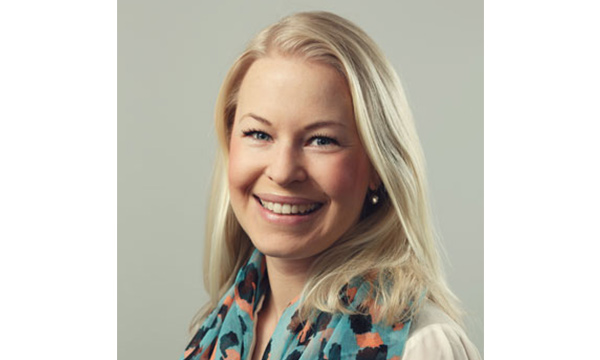 Sara Kinell, Novare