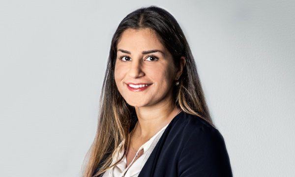 Sara Dilani, Novare