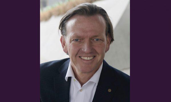 Magnus Carlsson till ÖoB